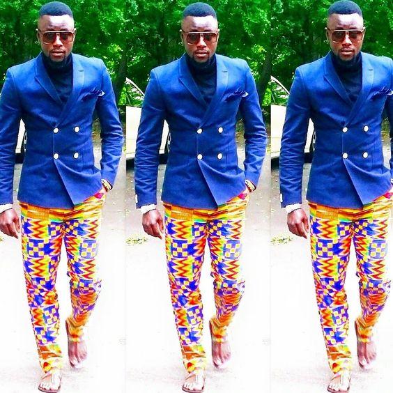 Unclutter In Style: Nkosuohehe Wears Kente Print