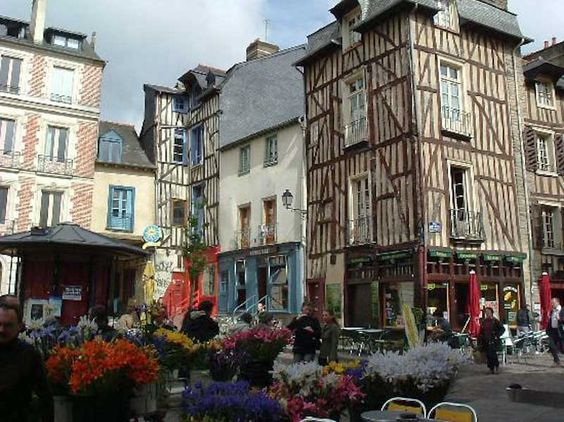 rue saint-michel rennes france
