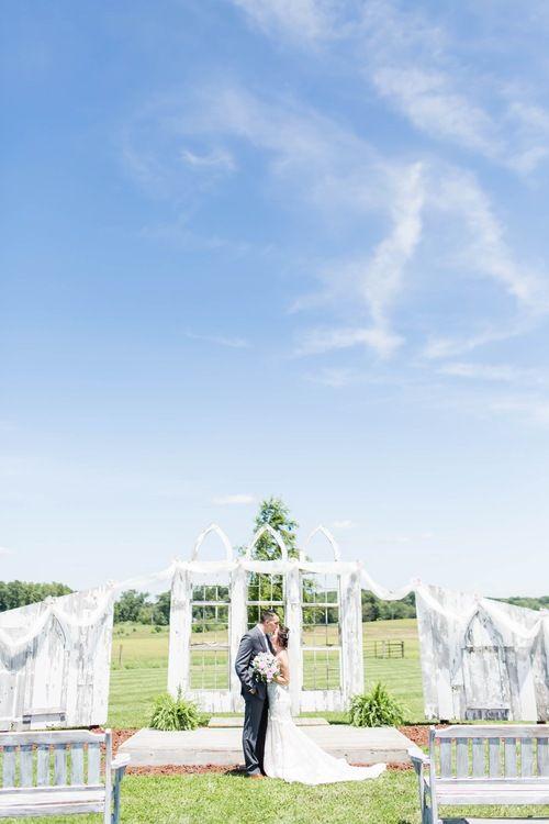 Nickajack Farms Summer Wedding Akron Ohio Wedding Photographer Ohio Wedding Ohio Wedding Photographer Outdoor Wedding Inspiration