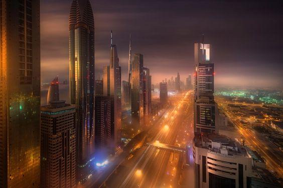 Ciudad de Dubai por la noche