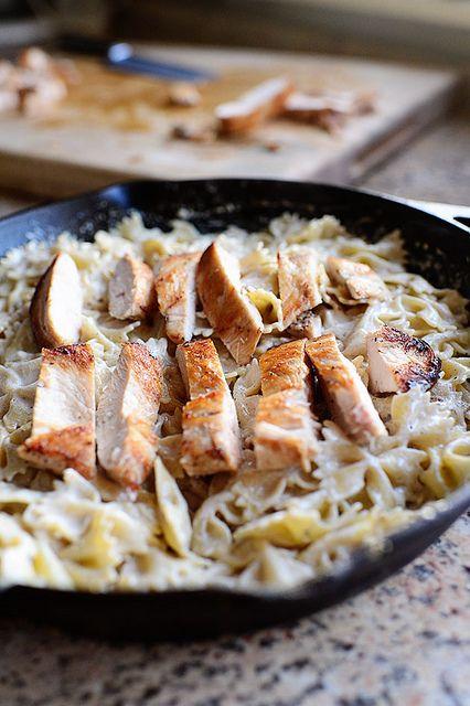 how to make chicken alfredo with bowtie pasta