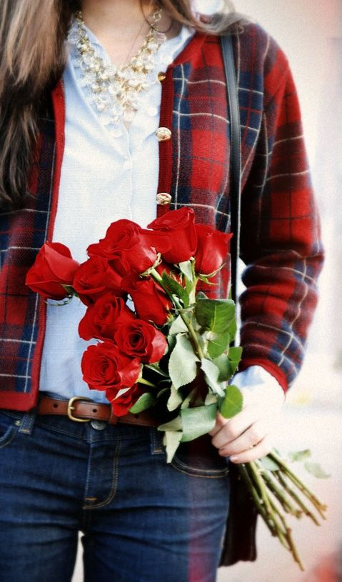 Red roses and tartan preppy fashion: