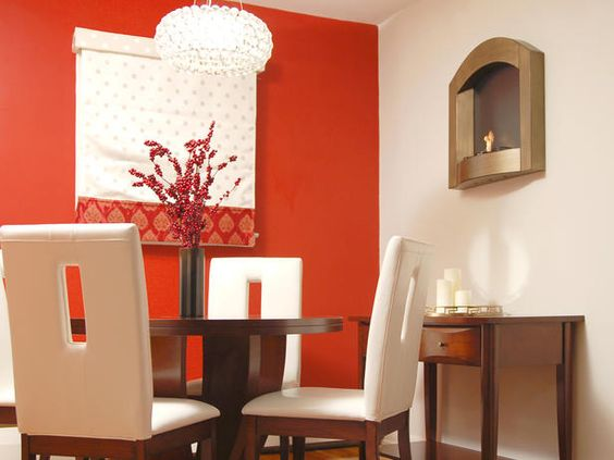 Orange Accent Wall In The Dining Room - Orange hues stimulate the appetite,