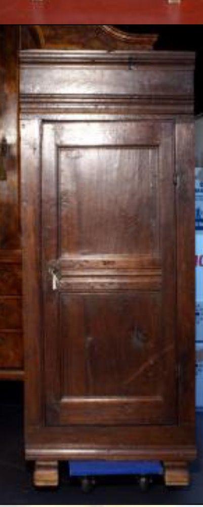 Antiek houten kastje