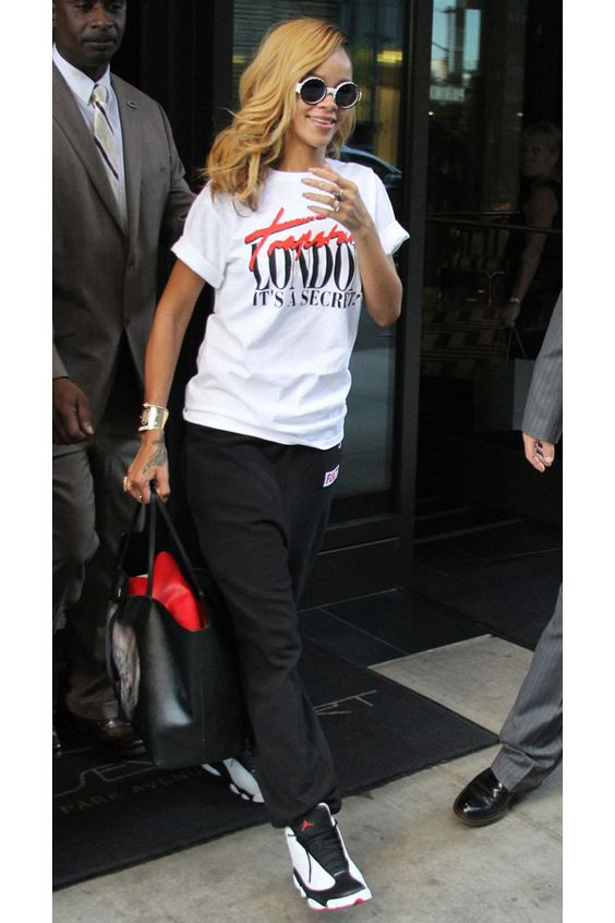 Sweatpants. Jordans. TShirt. Sneakers Outfit. Swag. Dope. Urban Fashion. Hip Hop Outfit. Rihanna Style: