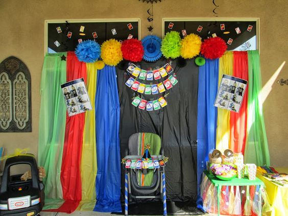 Uno party backdrop adrian 39 s uno 1st birthday for Party backdrop ideas