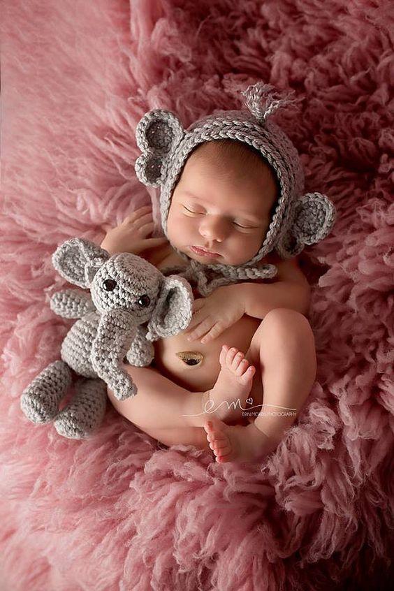 Este lindo sombrero del elefante y Teddy Elephant son el perfecto para recién nacido primero la foto session♥ apoyos de la foto recién nacido, vestir y mucho más! Regalo perfecto para los regalos de la ducha o simplemente para vestir a tu niña preciosa ♥♥ Se hace usando el hilado