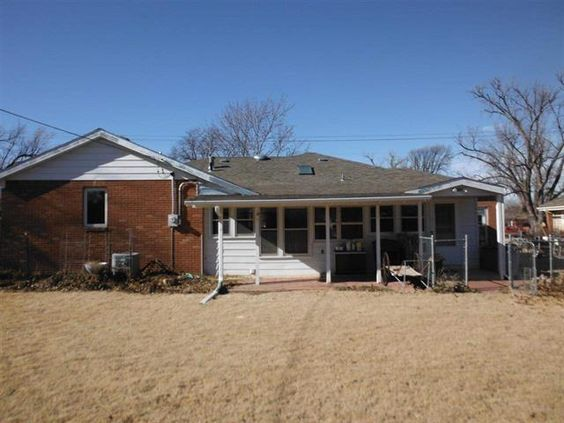 Ideally located in the heart of #DodgeCity, KS this exceptionally well maintained #home offers the ease of family living: http://bit.ly/2204_NAvenueA