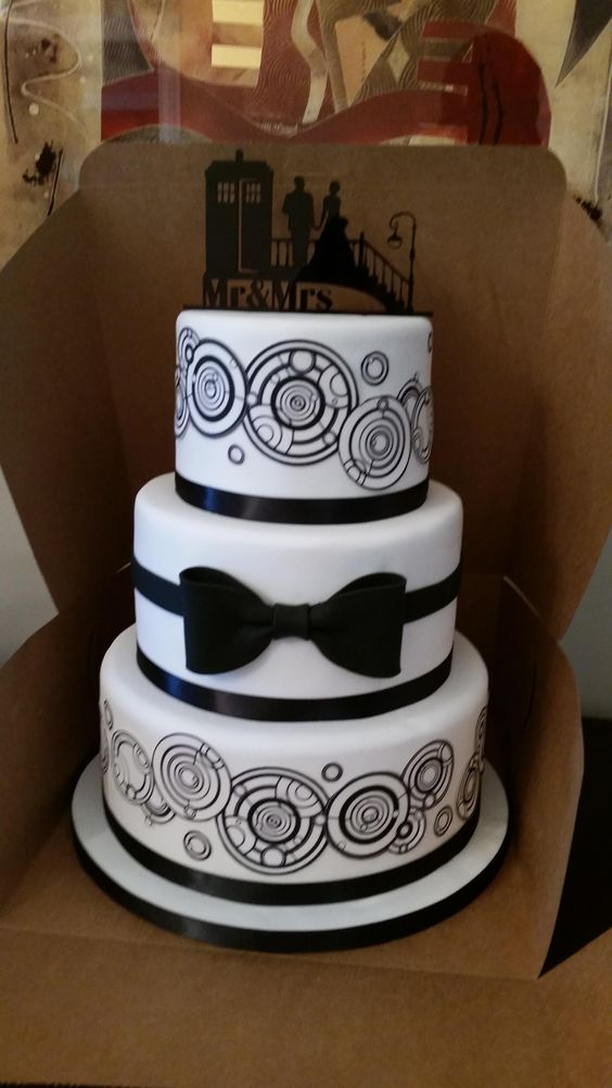 Cake With Name For Doctor : Our Doctor Who wedding cake. My Doctor Who Themed ...