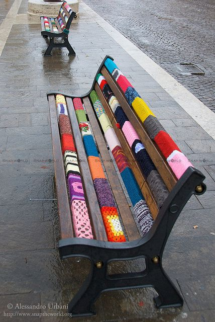 Yarnbombed bench: Yarn Bombs, Colorful Bench, Yarn Bombing, Yarn Bombed, Park Benches, Yarn Bench, Street Art, Yarnbombing, Yarnbombed Bench