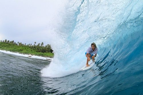 Make Your Stay More Relaxing With Best Sozhinos And Mentawais Surf Camp Surf Camp Surfing Destinations