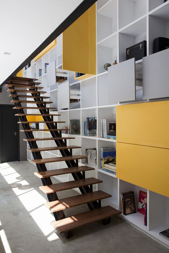 Real state office building fgmf wooden steps office for Office stairs design