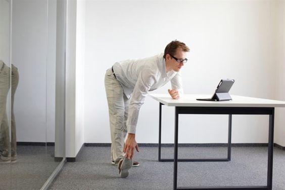 Sentarse y levantarse durante la jornada laboral quema más calorías