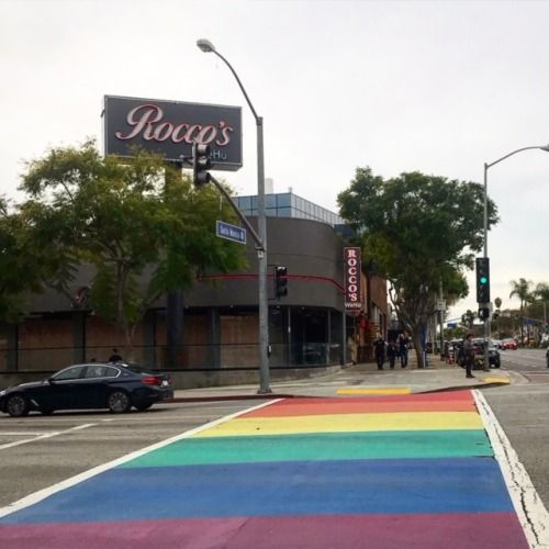 Rocco S Tavern On Santa Monica Boulevard In West Hollywood Is Walkable From Hotels Like The London And The Jeremy Glittera Tours Santa Monica West Hollywood