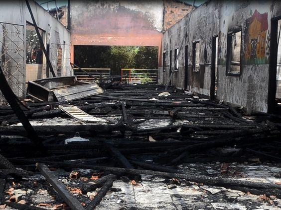 Ato de Gestão: Aluguel de espaço para abrigar algunos de Escola com estrutura comprometida após incêndio  (Foto: Anny Barbosa/G1)
