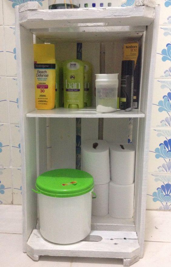 Armário de banheiro de caixote de feira  Móveis Palete  Pinterest -> Banheiro Decorado Com Caixote De Feira