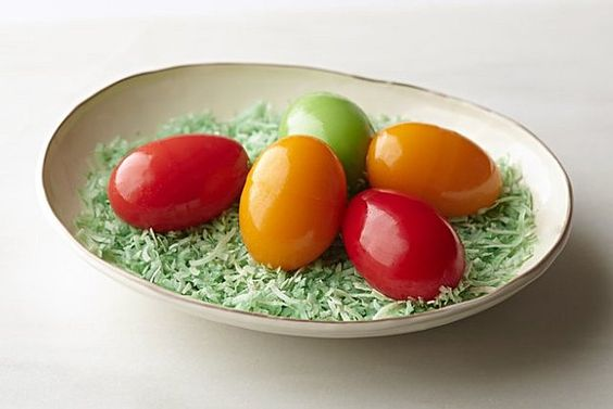 Invite Spring flavors in your table with these Easter Dinner Ideas by DIY Ready at http://diyready.com/16-easter-dinner-ideas