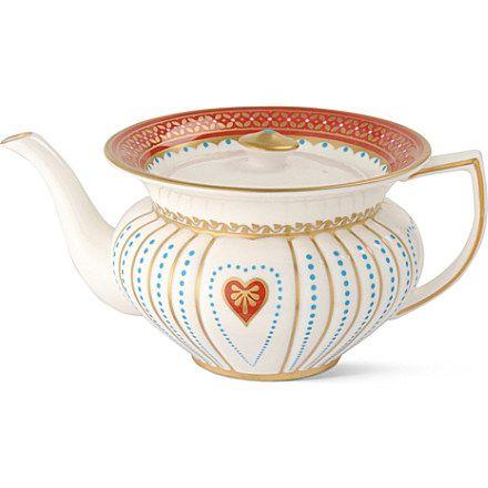 WEDGWOOD    Queen of Hearts teapot   65.00