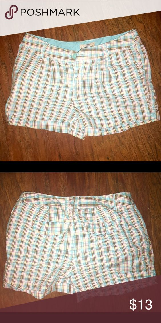 New aqua Pink and white shorts Size 1 checkered shorts - super classy with folded hem and small buttons on side (brand new without tags) Took the tags off and missed the deadline to return. Hope they can find a good home! SO Shorts
