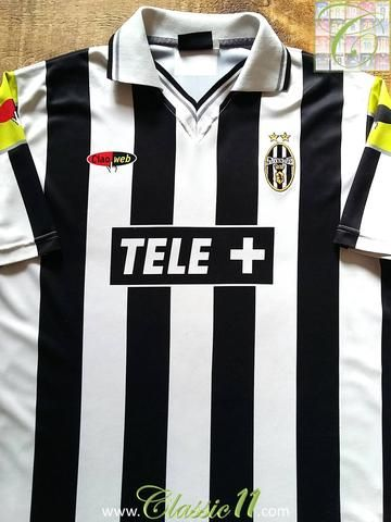Relive Juventus' 2000/2001 domestic season with this original Lotto home football shirt.