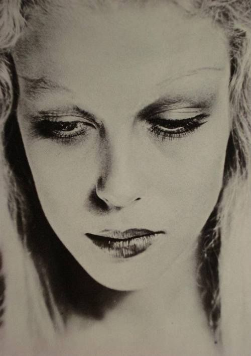 Saw a Man Ray exhibit in L.A.  - Fantastic Man Ray. Clara Abascal 1927
