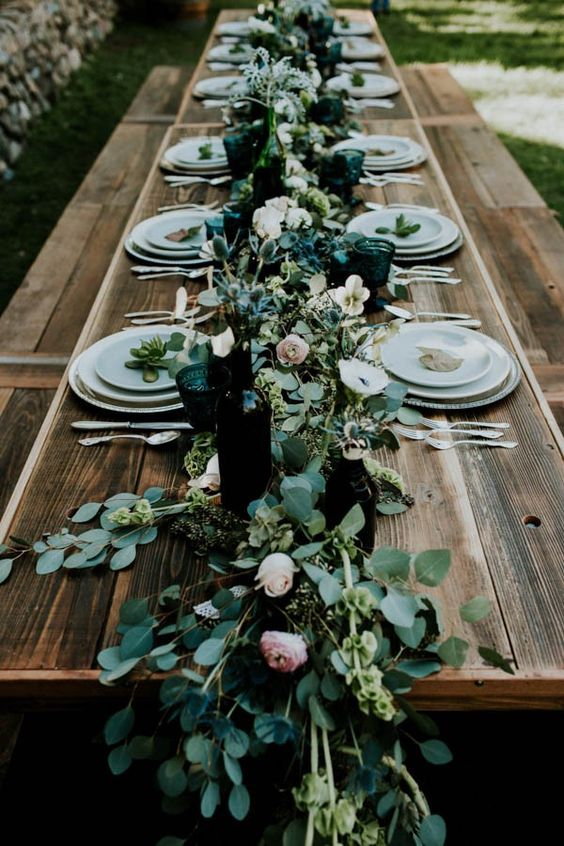 K'Mich Weddings - wedding planning - tablescape - garland on long table