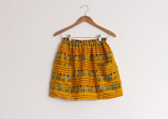Faldas de inspiración mexicana hechas a mano. Haz tu pedido online en www.facebook.com/chipotlemexico Mexican handmade skirts. Get yours online at www.facebook.com/chipotlemexico