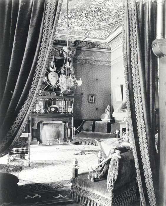Victorian Sitting Rooms: Late Victorian Sitting Room