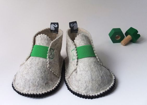 Toddler shoes easter felt shoes children spring by svantjeshop, €39.80