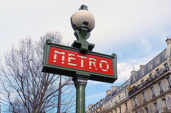 24 choses qu'il ne faut surtout pas faire à Paris