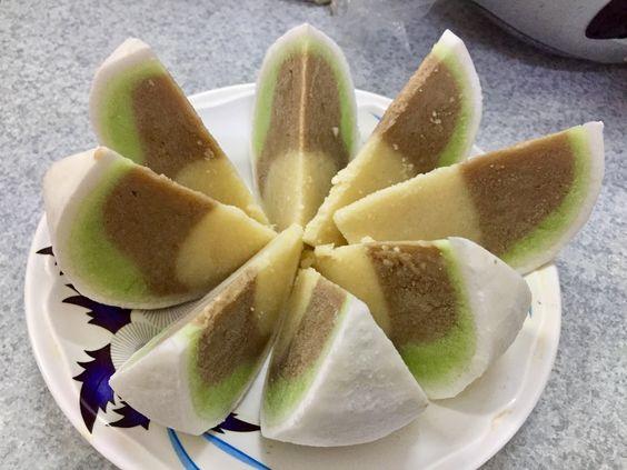 Kem trái dừa ( coconut ice cream )