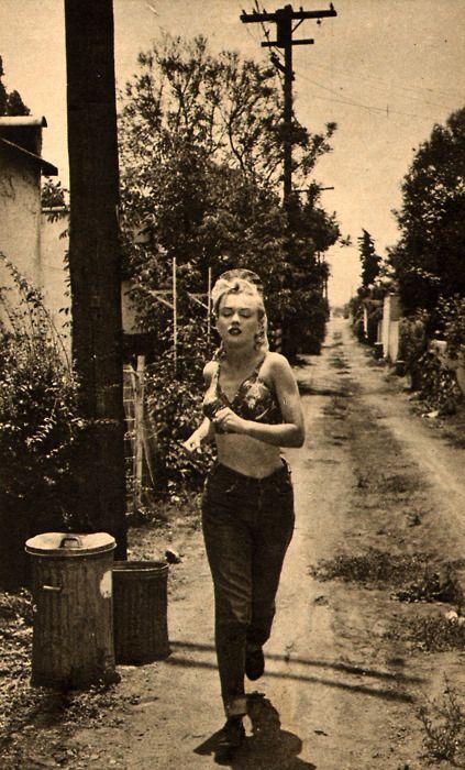 odd and wonderful photo of Marilyn Monroe.