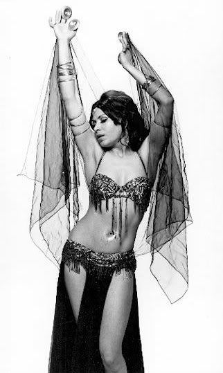Lebanese belly dance has been made famous by bellydance star, Nadia Gamal. I wish I could move like these girls who belly dance.
