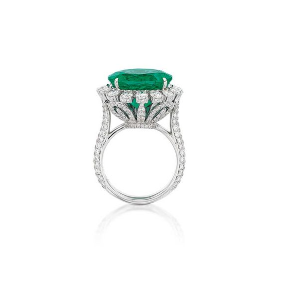 Accompanied by GRS report numbered GRS2017-098606, dated 15 September 2017, stating that the 10.07 carat emerald is natural, Green colour, of Colombian origin, with no indication of clarity enhancement;