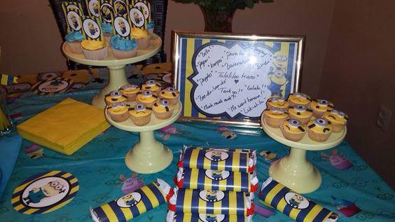 Minion cupcakes & Candy bars