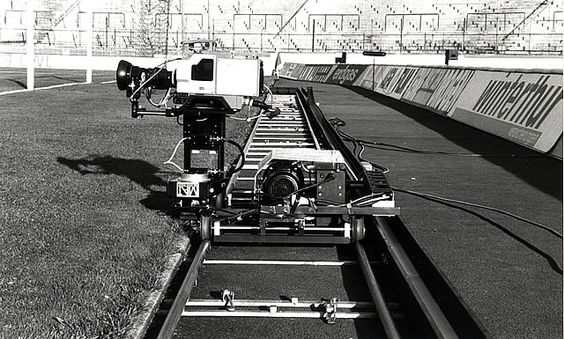 The 90s – making cameras move on lightweight dolly systems, remote controlled