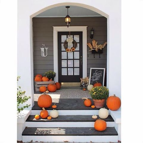 Gauntlet Gray Sw 7019 Makes The Perfect Backdrop For Your Seasonal Decorations Fabulous Paint
