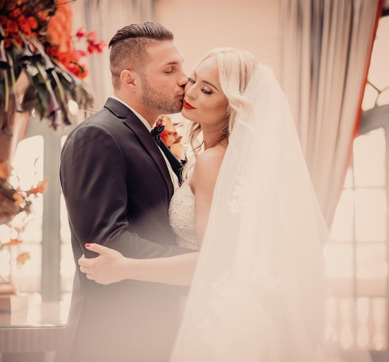 Breathtaking Bellagio Hotel And Las Vegas Autumn Inspired Wedding Now Up On Our Blog Http Bridalspectacular Pinterest
