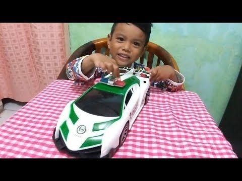 Zefa Buka Hadiah Mobil Mobilan Lamborghini Police Cars Youtube Mobil Polisi
