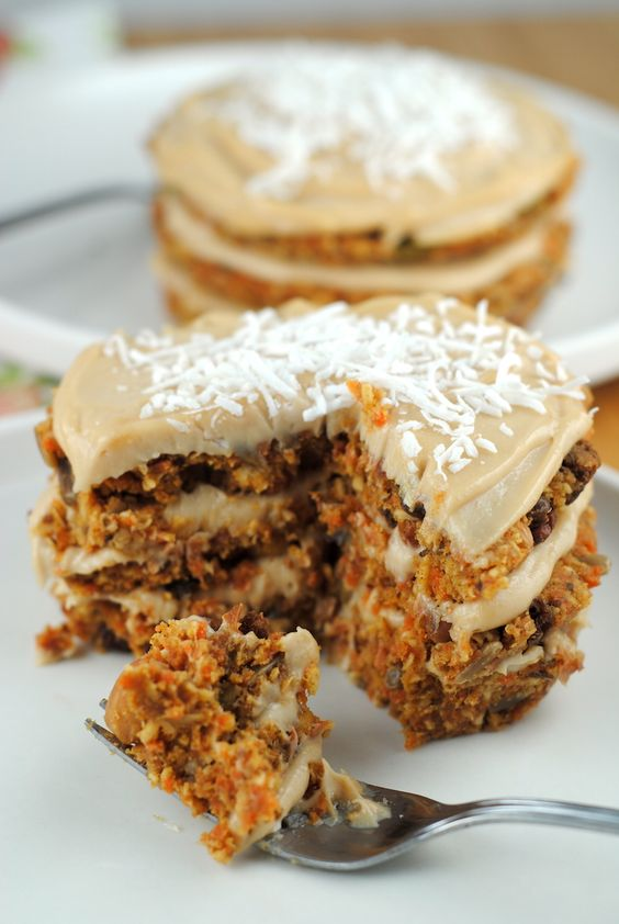 raw-vegan-carrot-cake-omit the oil and find a sub for it!