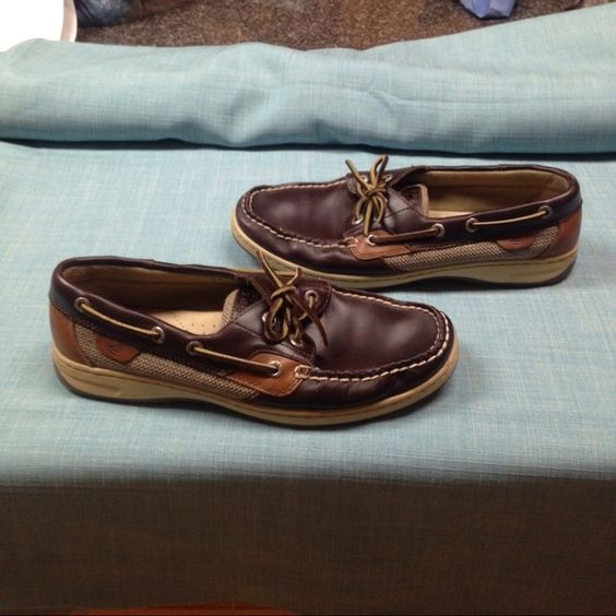 Sperry Top Sider shoes Gently worn Sperry Top Siders. These shoes have been worn several times but are in great condition. Sperry Top-Sider Shoes