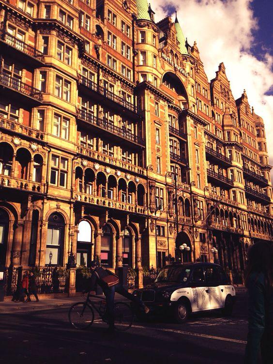 London oldbuilding
