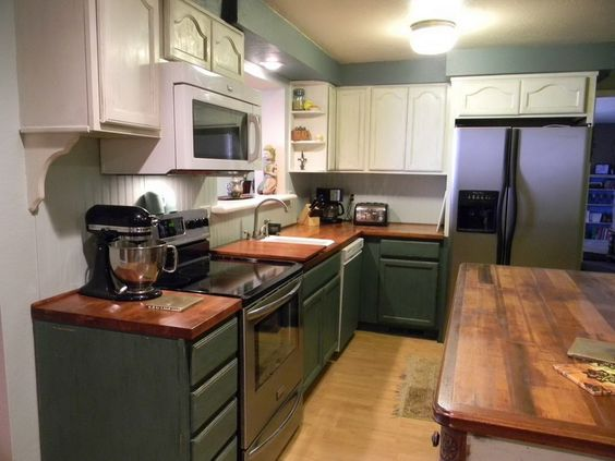 Painted kitchen cabinets color ideas kitchen paint for Country kitchen cabinet color ideas