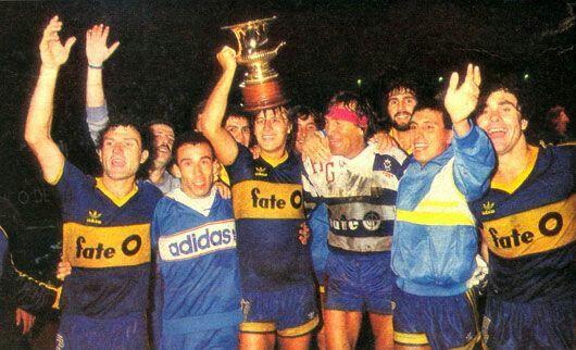 cciuffo, la Chancha Rinaldi, el Loco Gatti, Tavares, Graciani y Abramovich tras ganar la Copa de Verano en Mar del Plata en febrero de 1988
