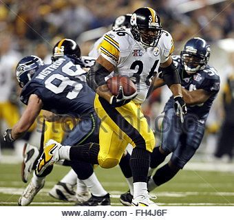 epa00632082 Pittsburgh Steelers running back Jerome Bettis rushes against the Seattle Seahawks during the third - Stock Photo