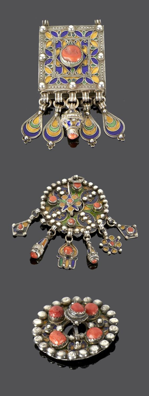 Algeria - Grand Kabylie | Two pendants and one fibula from the Beni Yenni people; silver, enamel and coral. | 273€ ~ sold (May '15)