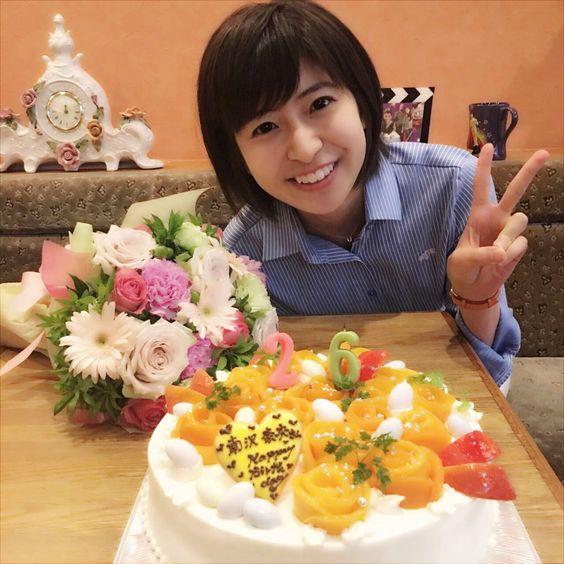 おいしそうなケーキと南沢奈央