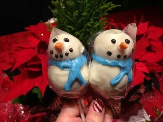 Snowman cake pops !! #snowman #cakepops #christmasbaking