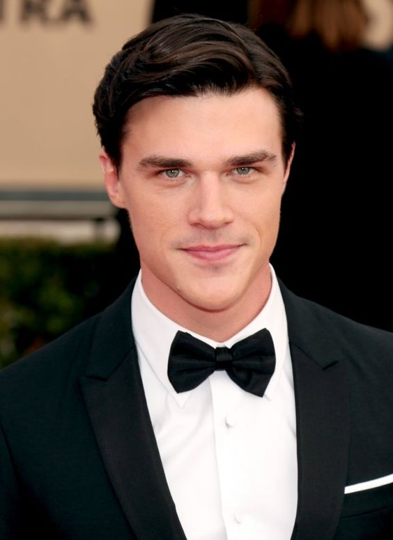 how tall is finn wittrock