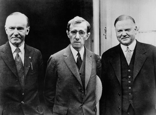 Leonard Zelig alongside President Coolidge and President Hoover in ZELIG    1983, Director: Woody Allen